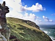 岩石的海岸线 免版税库存照片