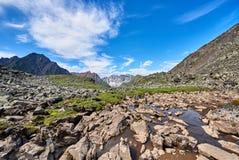 岩石的片段在水中 免版税图库摄影