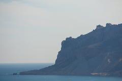 岩石的看法在海的 免版税图库摄影