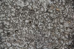 岩石纹理以灰色对比 免版税库存照片
