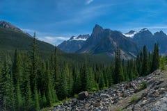 岩石美丽的山 免版税图库摄影