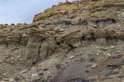 岩石远景在西南的沙漠 库存图片