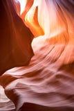 岩石,在羚羊峡谷里面,举世闻名的槽孔峡谷 免版税库存图片