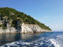 岩石 克罗地亚 海 的adolphe 免版税库存图片