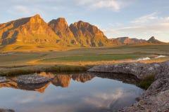 岩石水池和峰顶 图库摄影