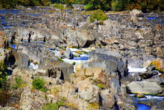岩石2阵的急流 免版税库存图片