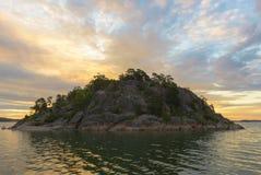 岩质岛 库存图片