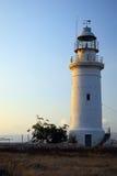 岸上地中海的灯塔 免版税图库摄影