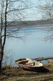 岸上小船湖 库存图片