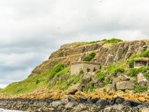 峡湾的海岸  爱丁堡,苏格兰 免版税库存照片