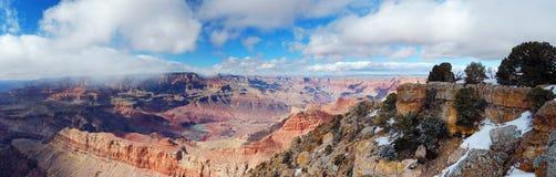 峡谷全部全景雪视图冬天 免版税库存照片