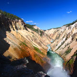峡谷全部河黄石 库存照片