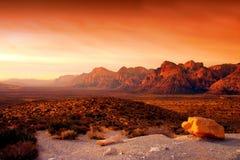 峡谷内华达红色岩石 库存照片