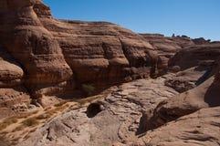 峡谷在考古学站点Madain萨利赫沙特阿拉伯 免版税库存图片