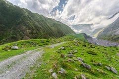 峡谷在高加索山脉 库存照片