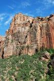 峡谷大量岩石zion 免版税库存照片