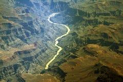 峡谷弯曲的河 免版税库存照片
