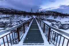 峡谷桥梁在阿比斯库国家公园国家公园,瑞典 库存图片