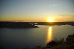 峡谷河日落 库存图片