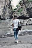 峡谷的少妇 阿迪格共和国共和国山河在俄罗斯 库存图片