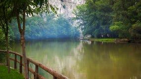 峡谷的河 库存照片