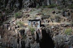 峡谷皇家简陋小木屋 库存照片