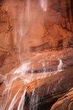 峡谷红色岩石sinawava寺庙瀑布zion 图库摄影
