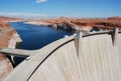 峡谷水坝幽谷 库存图片