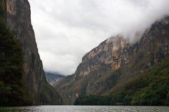 峡谷Sumidero,恰帕斯州,墨西哥 库存照片