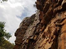 峭壁侧视图 免版税库存照片