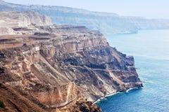 峭壁和圣托里尼海岛,希腊火山岩  免版税图库摄影