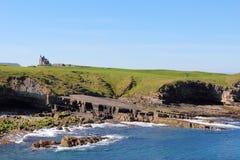 峭壁和海在Mullaghmore 免版税库存照片