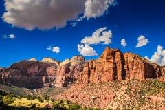 峭壁国家公园砂岩犹他zion 免版税库存图片