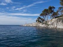 峭壁在克罗地亚海 免版税库存图片