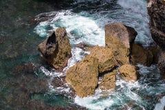 峭壁在努沙Penida,巴厘岛,印度尼西亚 库存图片