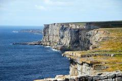 峭壁在Aran海岛,爱尔兰 免版税图库摄影