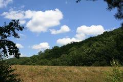 峭壁横向岩石 免版税图库摄影