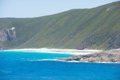 峭壁海岸Torndirrup国家公园西澳州 免版税库存照片