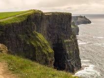 峭壁爱尔兰moher 免版税图库摄影
