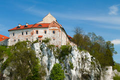 峭壁的修道院 免版税库存图片