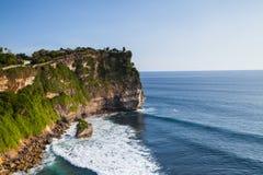 峭壁的看法在巴厘岛印度尼西亚 免版税库存照片