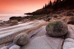 峭壁缅因水獭日落美国 库存图片