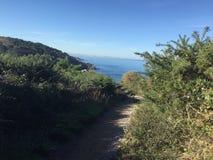 峭壁道路hondarrabia西班牙 免版税库存照片