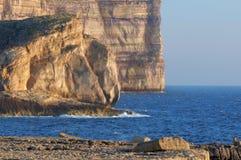 峭壁dwejra gozo马耳他 免版税库存图片