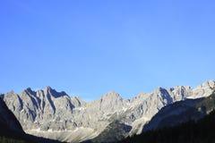 峰顶岩石 免版税图库摄影