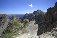 峰顶岩石 库存照片