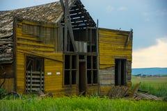 崩溃的谷仓在东部华盛顿` s Palouse地区 图库摄影