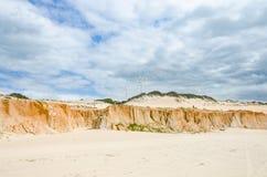 崩溃Canoa quebrada在ceara状态的海滩商标 库存图片
