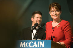 州长水平palin萨拉微笑 免版税库存照片