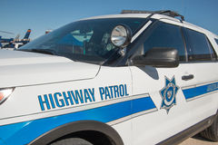 州际高速公路警察巡逻车 库存照片